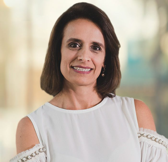 """""""Eu abriria uma escola"""": Mônica Molina fala sobre mercado da educação"""